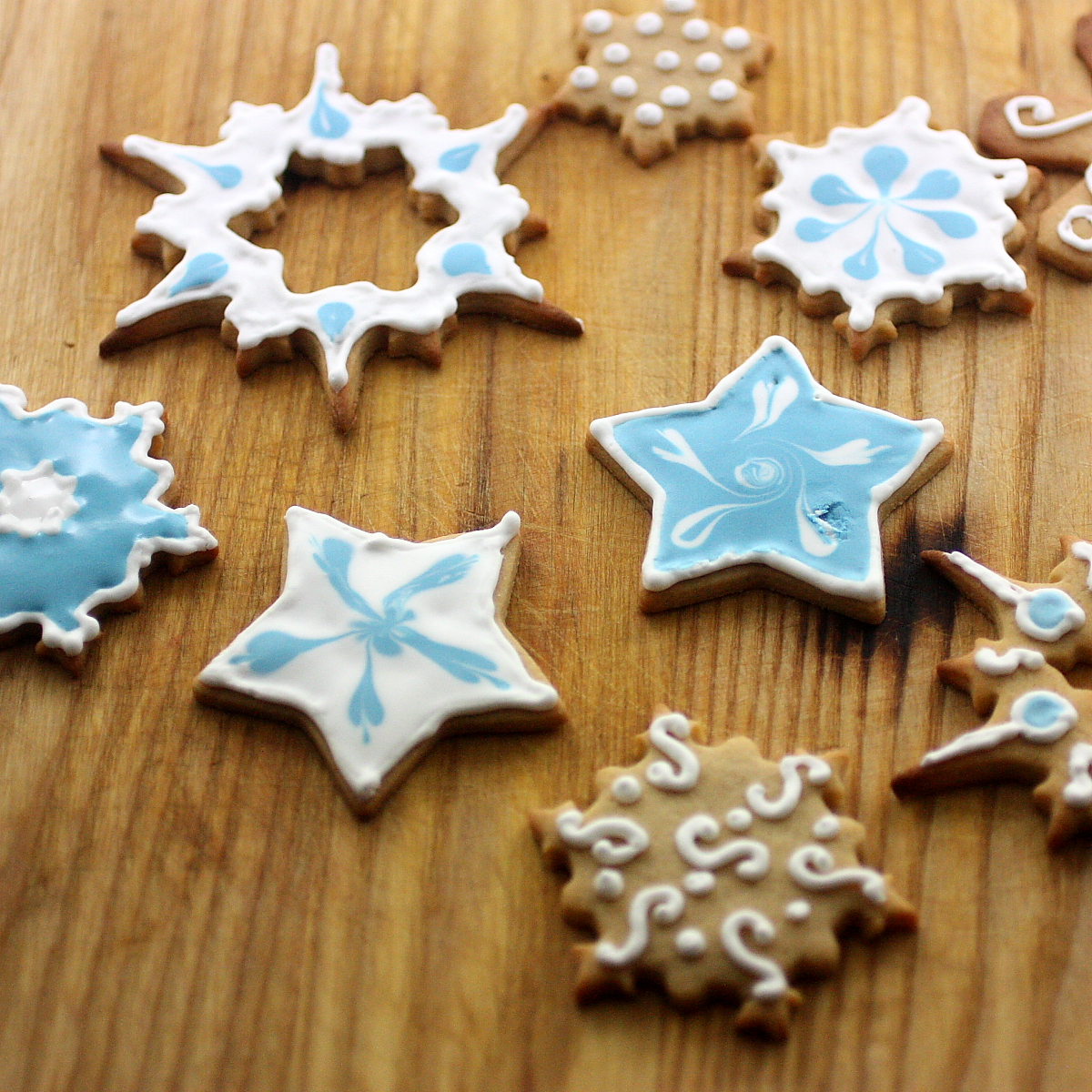 Holiday gift ideas  Sugar Cookies with Royal Icing life in recipes BWXnN5Md